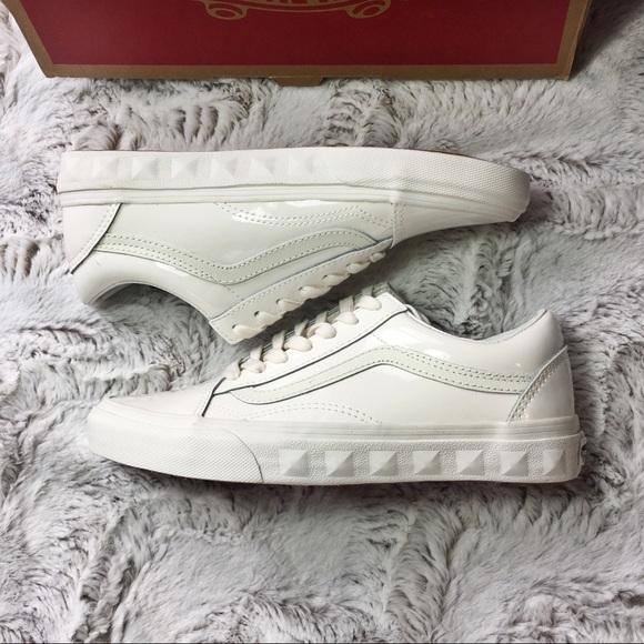 2303b789d5c49a Vans Shoes